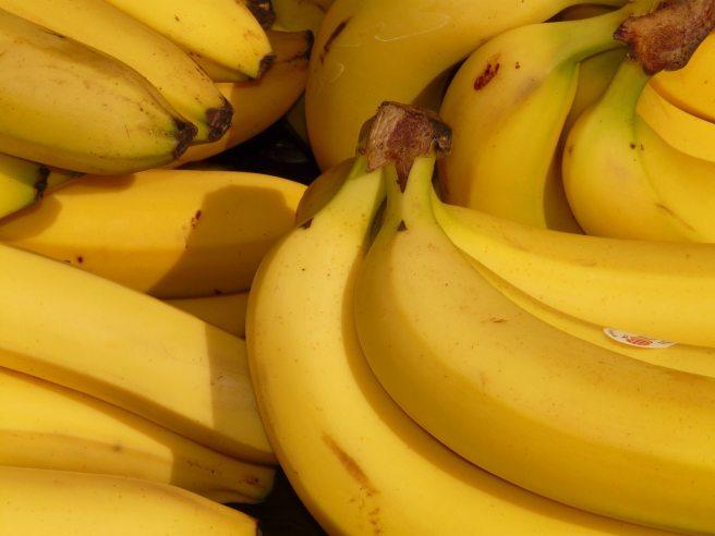 bananas-bunch-food-41957.jpg